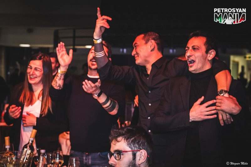 PetrosyanMania Gold Edition: tavoli e Backstage